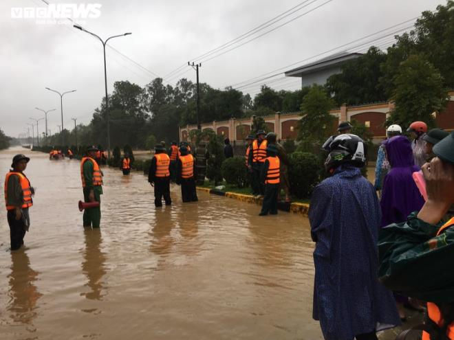 Mưa trắng trời, Quảng Trị - Huế tái gặp lụt lịch sử sau vài ngày nước rút - 1