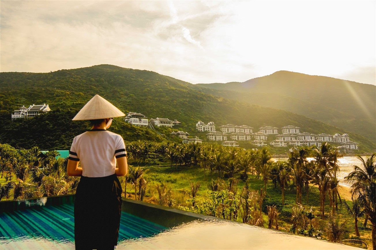 intercontinental-da-nang-sun-peninsula-resort-9-.jpg