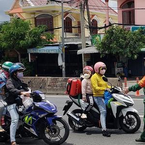 """Nhiều địa phương chấp nhận người từ """"vùng xanh"""" Hà Nội được phép vào tỉnh"""