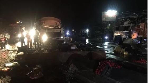 Tai nạn giao thông đặc biệt nghiêm trọng, hơn 11 người thương vong