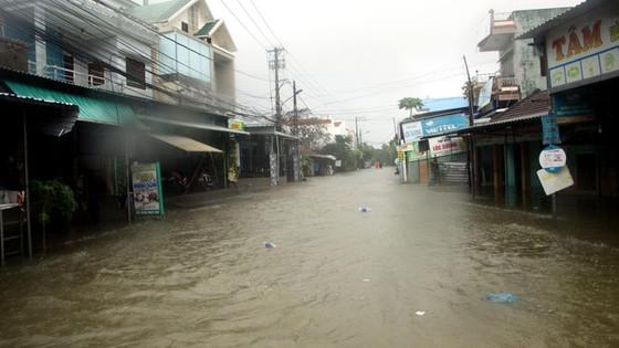 Quảng Nam: Hơn 73 ngôi nhà, nhiều công trình công cộng bị thiệt hại, hư hỏng do mưa lũ