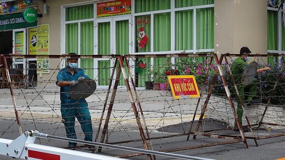 Hồ Chí Minh: Phong tỏa gấp chung cư Sunview Town liên quan ca nghi nhiễm Covid-19