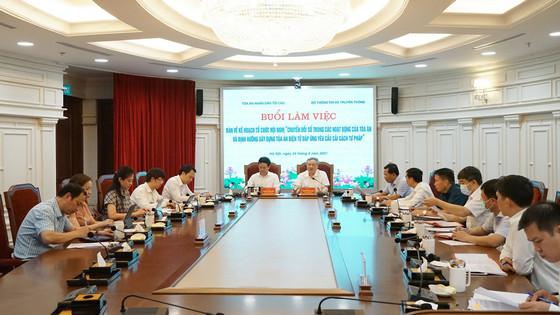 Lãnh đạo TANDTC làm việc với lãnh đạo Bộ Thông tin và Truyền thông