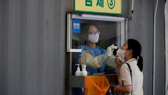 Hàn Quốc phát hiện 2 trường hợp đầu tiên nhiễm biến thể Delta Plus